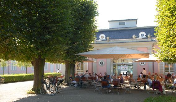 Schloss_Benrath_Cafe