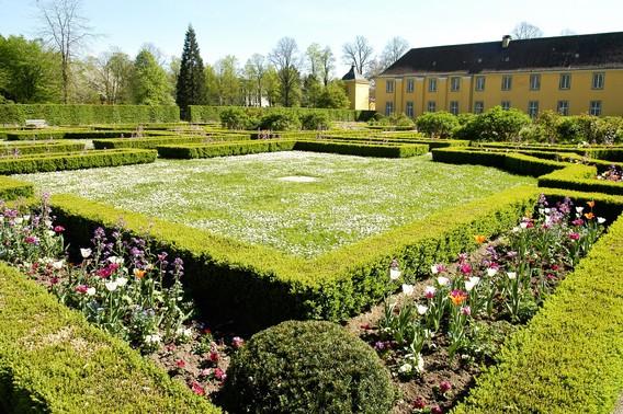 Schloss_Benrath_Orangerie_6