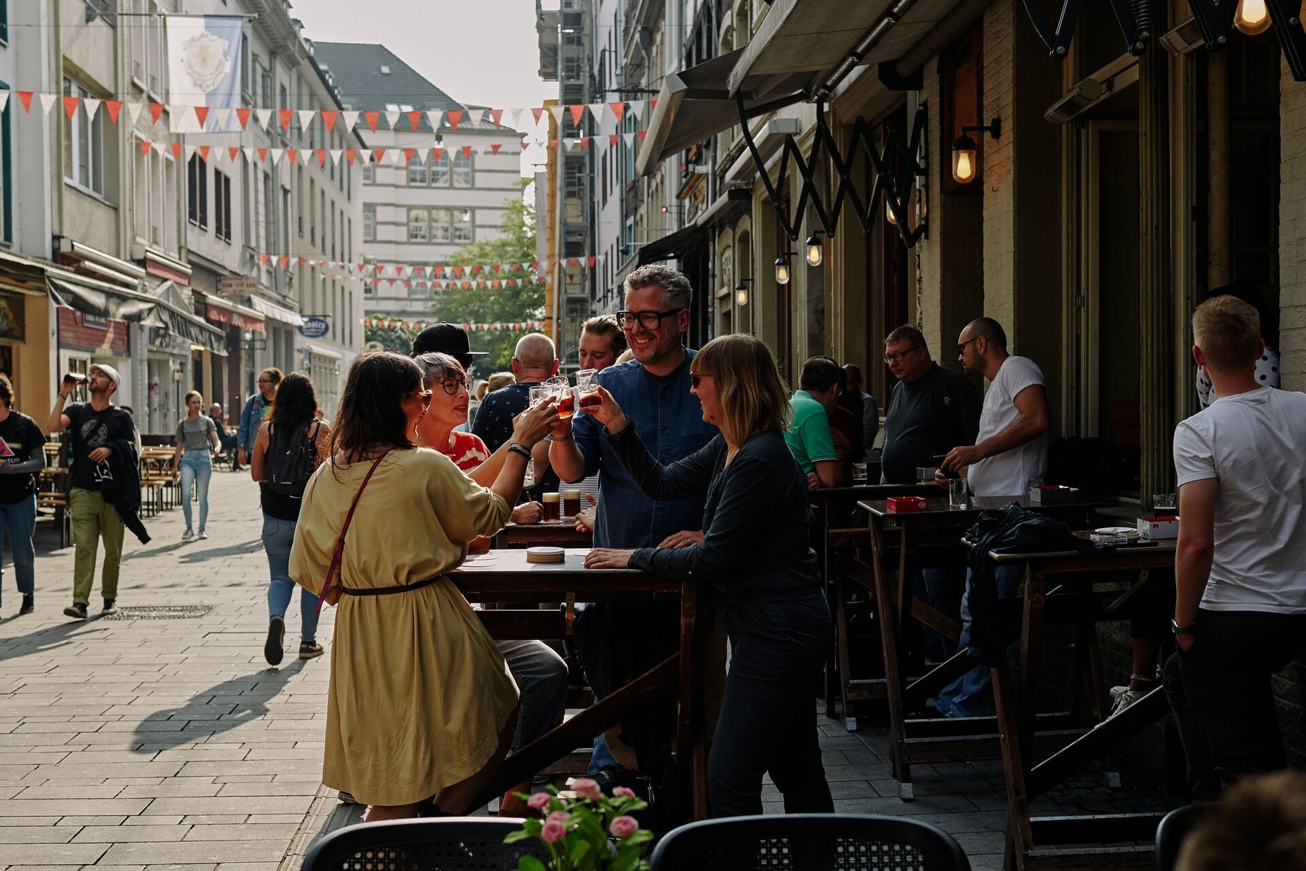 New_Altstadt_Kuerzer_Anstossen